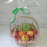 Fruit in basket - Photo 1