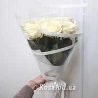 9 білих троянд в крафті - Фото 1
