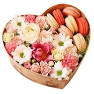 Flowers and macaroons in a box - flowers and bouquets on roza.od.ua