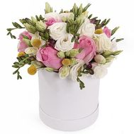 Flowers in a box - flowers and bouquets on roza.od.ua