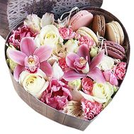 Flowers in a box with macaroons - flowers and bouquets on roza.od.ua