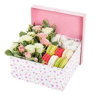 Макарунс с цветами - цветы и букеты на roza.od.ua