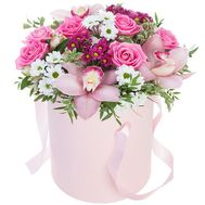 Flowers in a Hat Box - flowers and bouquets on roza.od.ua