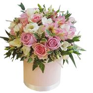 Стильный букет в коробке - цветы и букеты на roza.od.ua