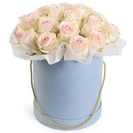 White roses in a box - flowers and bouquets on roza.od.ua