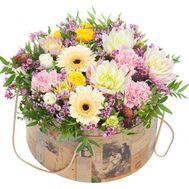 Букет цветов в коробке - цветы и букеты на roza.od.ua