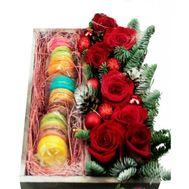 Макаруни і троянди до Нового року - цветы и букеты на roza.od.ua