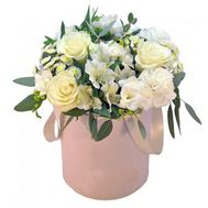"""Delicate flowers in a box"" in the online flower shop roza.od.ua"
