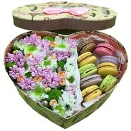 """Flowers with macaroons"" in the online flower shop roza.od.ua"