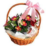 Корзина с цветами, вином и рафаэлло - цветы и букеты на roza.od.ua