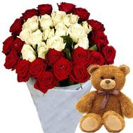 Bear with a bouquet of roses - flowers and bouquets on roza.od.ua