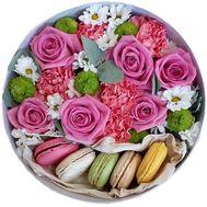 Цветы и Macarons в круглой коробке - цветы и букеты на roza.od.ua