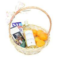 Подарочная корзина с импортным вином - цветы и букеты на roza.od.ua