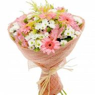 Bouquet of flowers from chrysanthemums and gerberas - flowers and bouquets on roza.od.ua