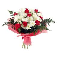 Bouquet of flowers from roses and chrysanthemums - flowers and bouquets on roza.od.ua