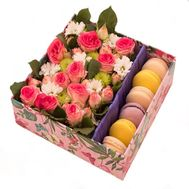 """Flowers and cakes"" in the online flower shop roza.od.ua"