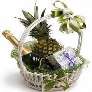 Корзинка на Новый год - цветы и букеты на roza.od.ua