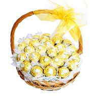 Basket with Ferrero Rocher - flowers and bouquets on roza.od.ua