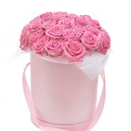 Pink roses in a box - flowers and bouquets on roza.od.ua