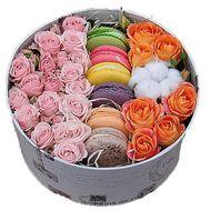 Коробка с макарунами - цветы и букеты на roza.od.ua