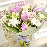 What to give with a bouquet of flowers - flowers and bouquets on roza.od.ua
