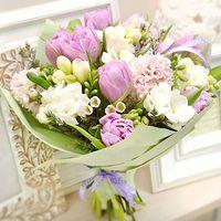 Що подарувати з букетом квітів - цветы и букеты на roza.od.ua