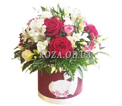 """Flowers in a Hat Box"" in the online flower shop roza.od.ua"