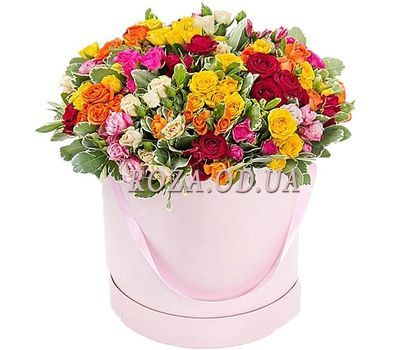 """Flowers in a round box"" in the online flower shop roza.od.ua"
