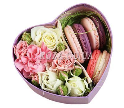 """Macaroons in a box of flowers"" in the online flower shop roza.od.ua"