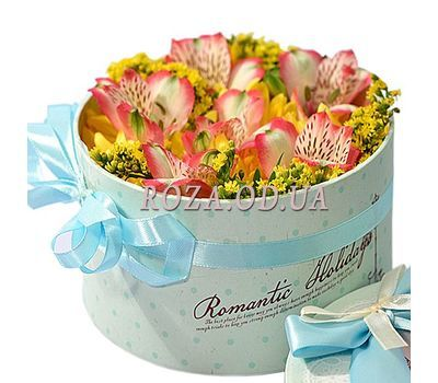 """Small box with flowers"" in the online flower shop roza.od.ua"