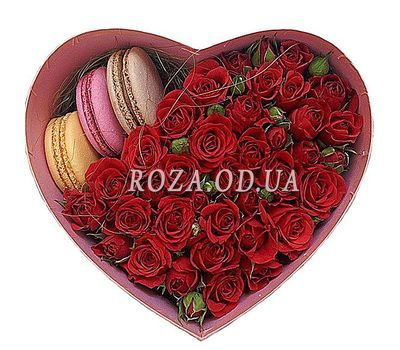 """Roses in a box with macaroons"" in the online flower shop roza.od.ua"