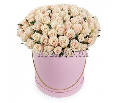 """101 cream-colored roses in a box"" in the online flower shop roza.od.ua"