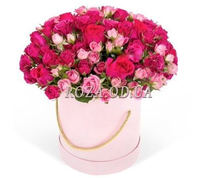 """""""A bouquet of roses in a box"""" in the online flower shop roza.od.ua"""