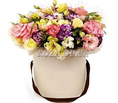 """Bouquet in a Hat Box"" in the online flower shop roza.od.ua"