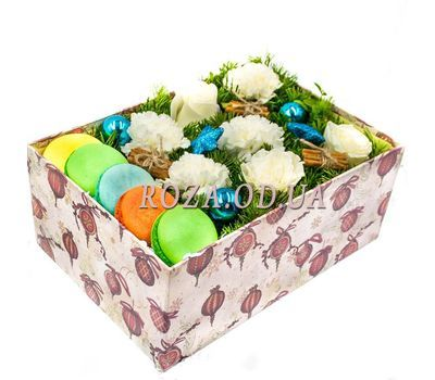 """Macaroons for the New Year"" in the online flower shop roza.od.ua"