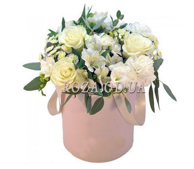 """""""Delicate flowers in a box"""" in the online flower shop roza.od.ua"""
