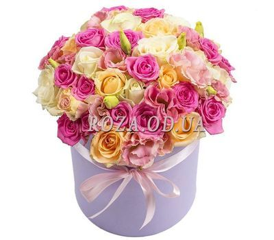 """Delicate roses in a box"" in the online flower shop roza.od.ua"