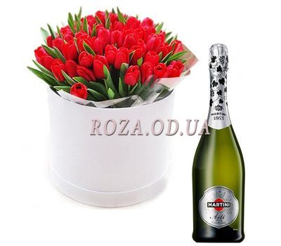 """35 tulips with champagne"" in the online flower shop roza.od.ua"