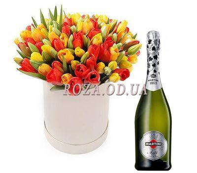 """""""Тюльпаны в коробке с шампанским"""" в интернет-магазине цветов roza.od.ua"""