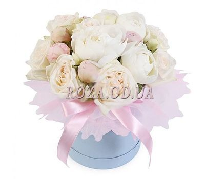 """15 white peonies in a box"" in the online flower shop roza.od.ua"