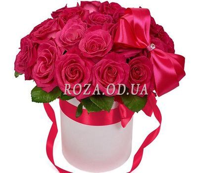"""Roses in a Box - Idyll"" in the online flower shop roza.od.ua"