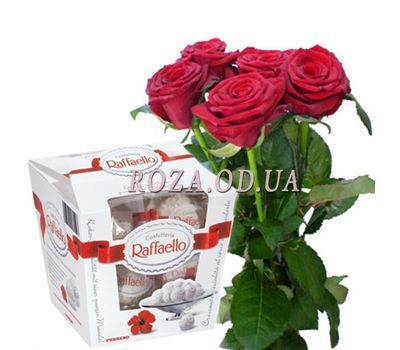"""""""5 roses and Raffaello"""" in the online flower shop roza.od.ua"""