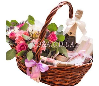 """Basket with flowers and champagne"" in the online flower shop roza.od.ua"