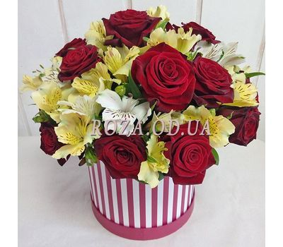"""Композиция в шляпной коробке"" in the online flower shop roza.od.ua"