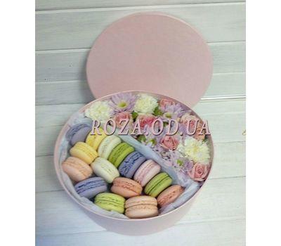 """""""Коробка с цветами и макарунами - Ароматный лате"""" в интернет-магазине цветов roza.od.ua"""