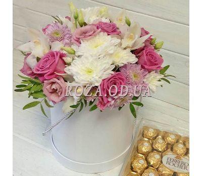 """Цветы в коробке и конфеты"" in the online flower shop roza.od.ua"