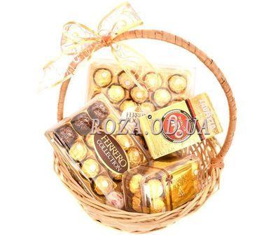 """Подарочная корзина Ferrero Rocher и Lavazza"" в интернет-магазине цветов roza.od.ua"