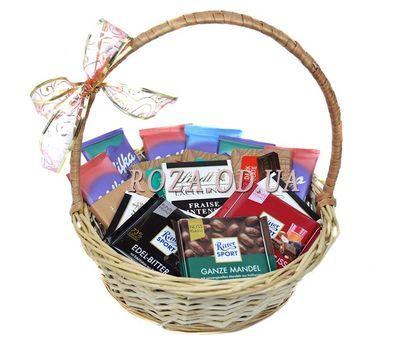 """Корзина разного шоколада"" в интернет-магазине цветов roza.od.ua"