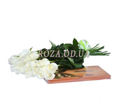 """""""15 imported roses + candy"""" in the online flower shop roza.od.ua"""