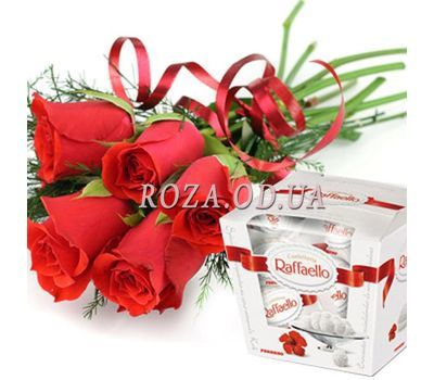 """5 red roses and Raffaello"" in the online flower shop roza.od.ua"
